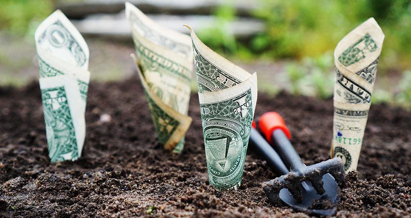 5 Gruende für Aktien und ETFs